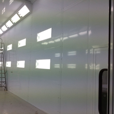 Enclosed Down Draft Spray Booths